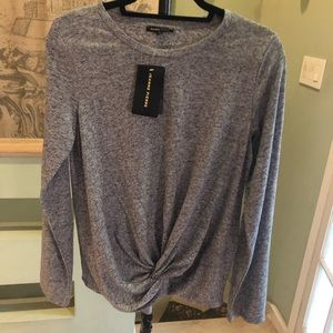 Gray twist knotted top, Large NWT